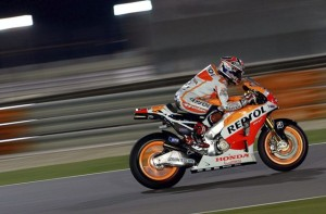Marc Marquez takes pole in Qatar, even with a broken leg.