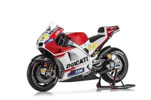Ducati_MotGP_Team_2015_56_Iannone